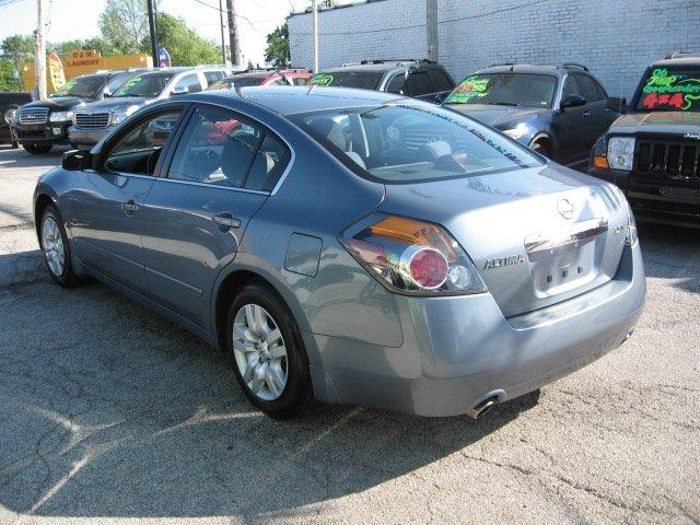 2010 Nissan Altima for sale at Vogue Motor Company Inc in Saint Louis MO