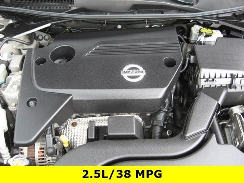 2014 Nissan Altima for sale at Vogue Motor Company Inc in Saint Louis MO