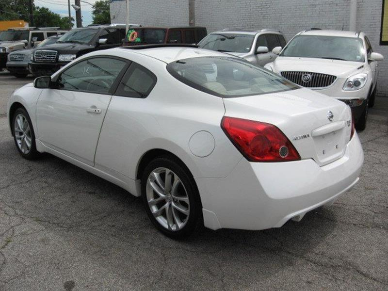 2009 Nissan Altima for sale at Vogue Motor Company Inc in Saint Louis MO