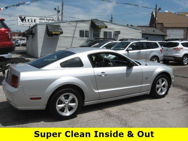 2007 Ford Mustang for sale at Vogue Motor Company Inc in Saint Louis MO