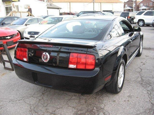 2008 Ford Mustang for sale at Vogue Motor Company Inc in Saint Louis MO