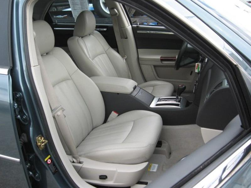 2005 Chrysler 300 for sale at Vogue Motor Company Inc in Saint Louis MO