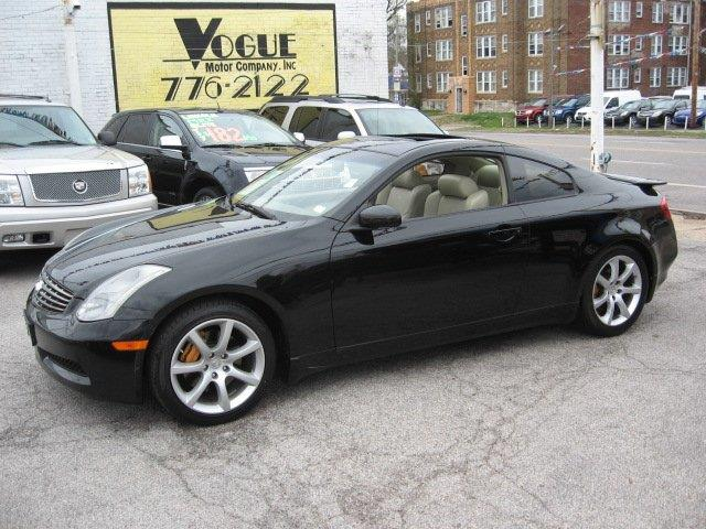 2004 Infiniti G35 for sale at Vogue Motor Company Inc in Saint Louis MO