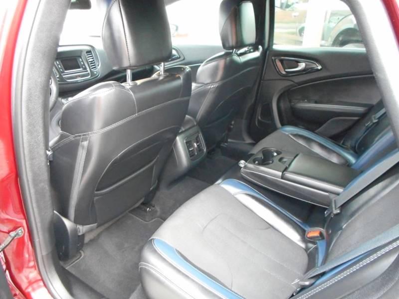 2015 Chrysler 200 S 4dr Sedan - Chester IL