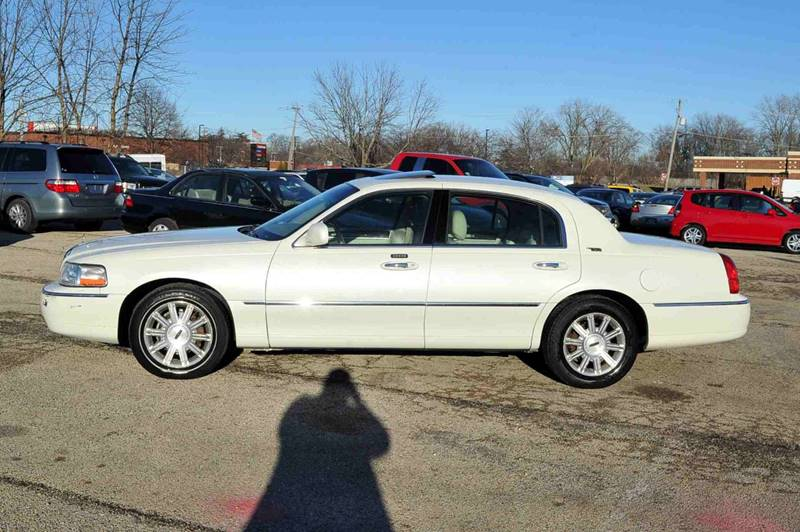 2006 Lincoln Town Car Signature Limited 4dr Sedan In Waukegan Il