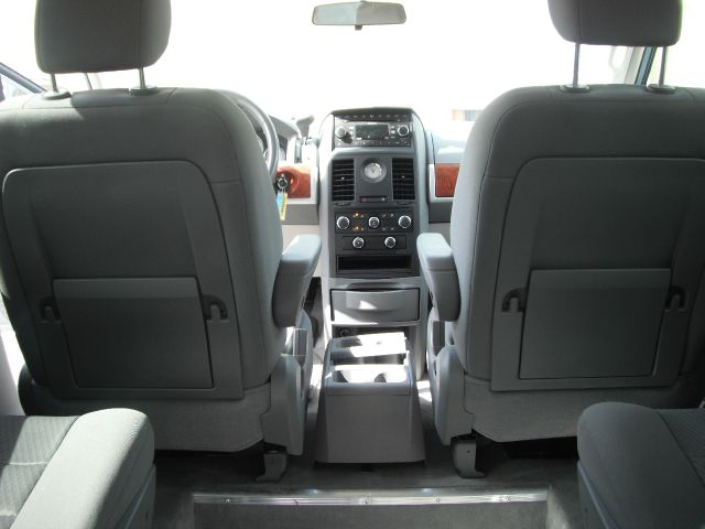 2008 town and country center console