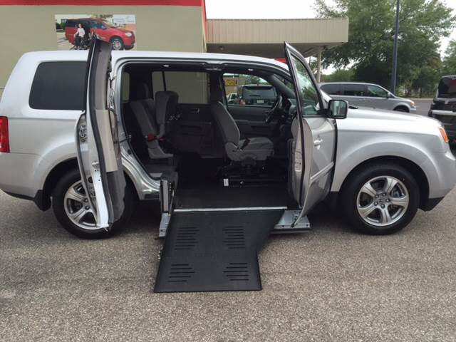 2013 honda pilot wheelchair suv wheelchair accessible suv in lakeland fl the mobility van store. Black Bedroom Furniture Sets. Home Design Ideas