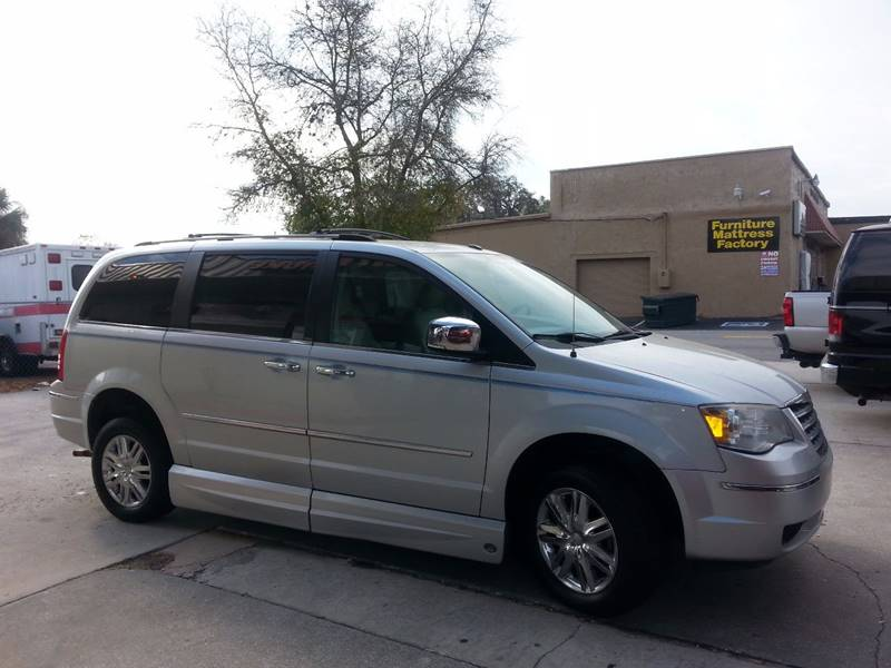 2009 chrysler town and country limited mini van 4dr in lakeland fl the mobility van store. Black Bedroom Furniture Sets. Home Design Ideas