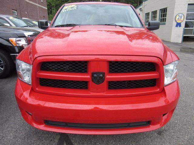 2012 RAM Ram Pickup 1500 4x4 Express 4dr Crew Cab 5.5 ft. SB Pickup - Marquette MI