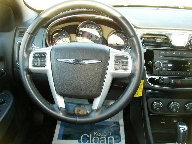 2013 Chrysler 200 Touring 4dr Sedan - Salisbury Center NY