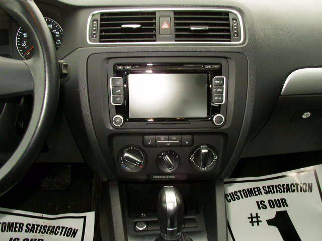 2014 Volkswagen Jetta SE PZEV 4dr Sedan 6A w/Connectivity and Sunroof - Salisbury Center NY