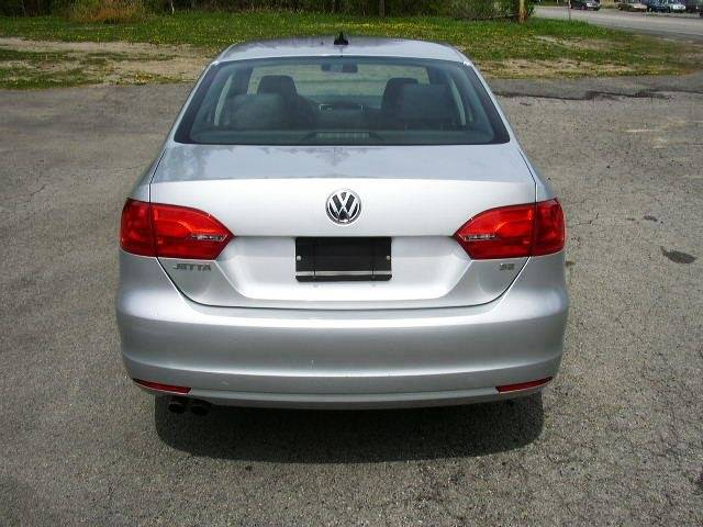 2014 Volkswagen Jetta SE PZEV 4dr Sedan 6A w/Connectivity and Sunroof - Salisbury Center NY