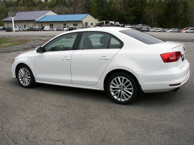 2015 Volkswagen Jetta SE PZEV 4dr Sedan 6A w/Connectivity and Navigation - Salisbury Center NY