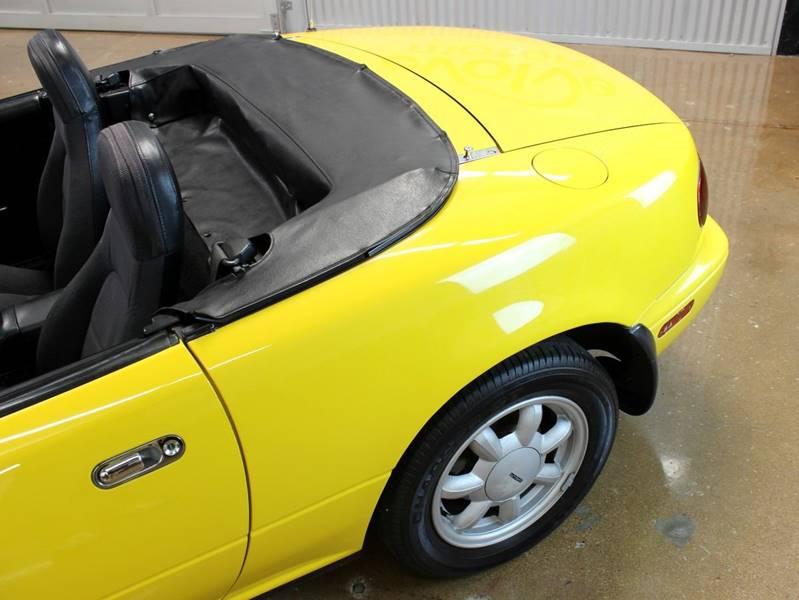 1992 Mazda MX-5 Miata for sale at Evolve Motors in Chicago IL