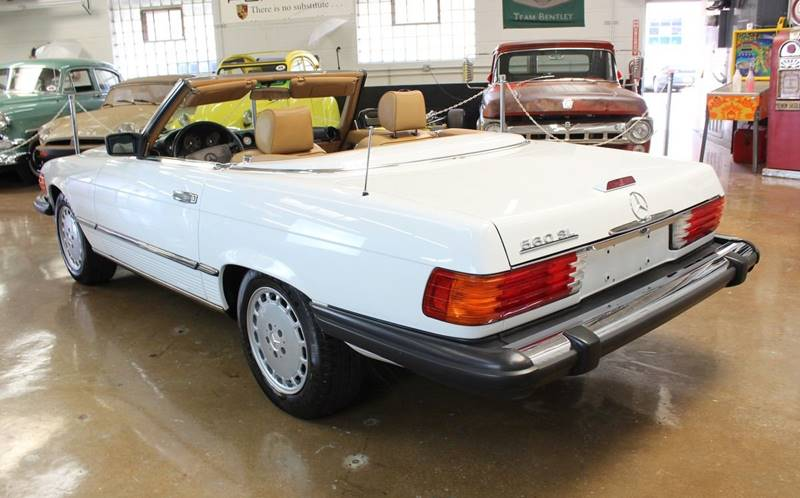 1988 Mercedes-Benz 560-Class for sale at Evolve Motors in Chicago IL