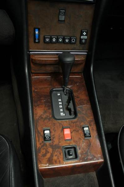 1989 Mercedes-Benz 560-Class for sale at Evolve Motors in Chicago IL