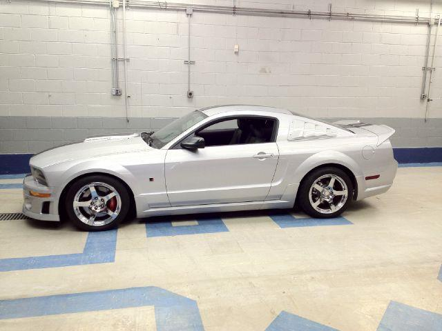 2006 Ford Mustang for sale at Evolve Motors in Chicago IL