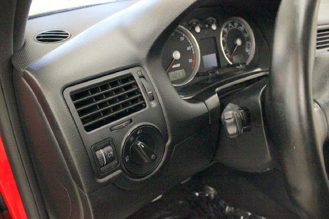 2004 Volkswagen R32 for sale at Evolve Motors in Chicago IL