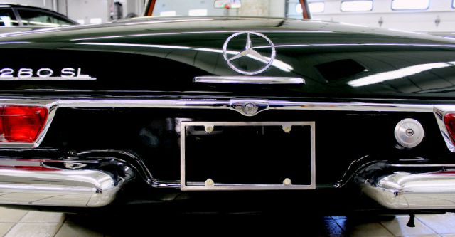 1968 Mercedes-Benz 280-Class for sale at Evolve Motors in Chicago IL