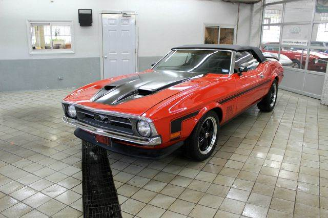 1972 Ford Mustang for sale at Evolve Motors in Chicago IL