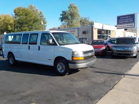 2004 Chevrolet Express Passenger for sale in Roseville, MI