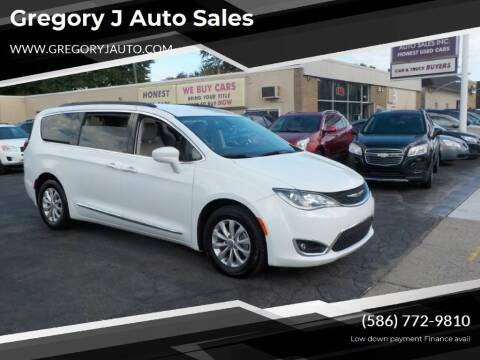 2017 Chrysler Pacifica for sale at Gregory J Auto Sales in Roseville MI