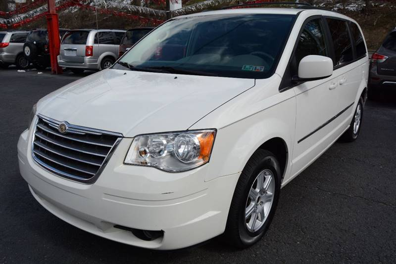 2010 Chrysler Town and Country Touring 4dr Mini-Van - Pittsburgh PA