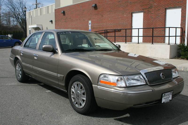 2005 Mercury Grand Marquis for sale at Imports Auto Sales Inc. in Paterson NJ