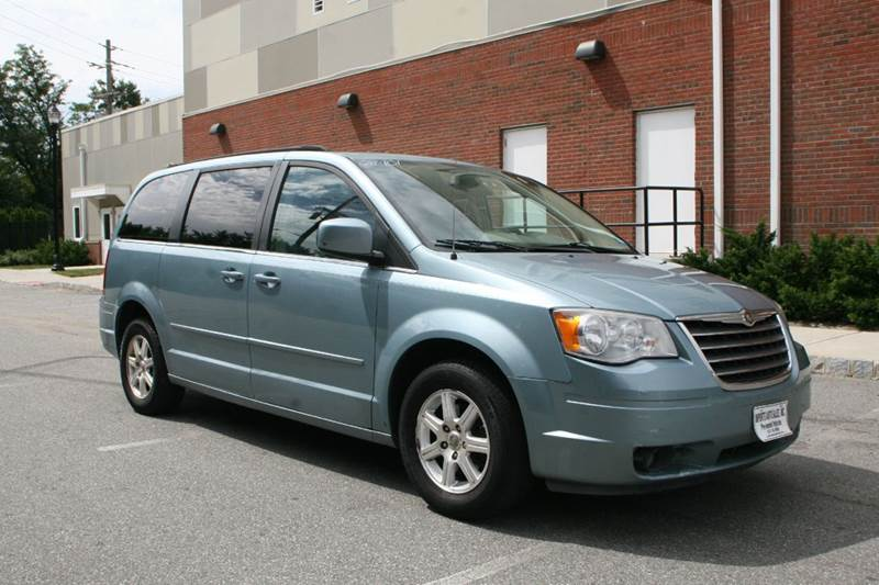 2008 Chrysler Town and Country for sale at Imports Auto Sales Inc. in Paterson NJ