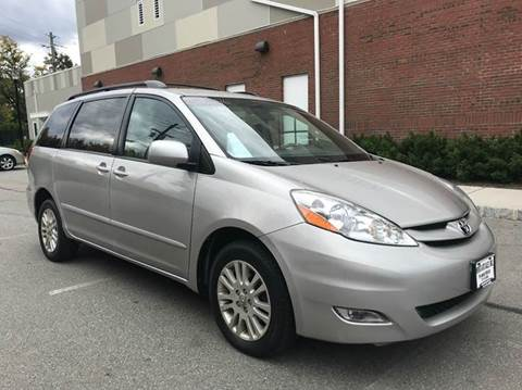 2007 Toyota Sienna for sale at Imports Auto Sales Inc. in Paterson NJ