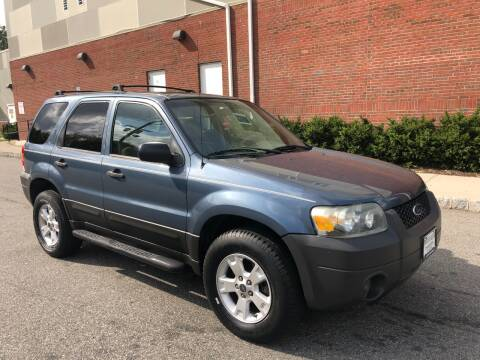 2005 Ford Escape for sale at Imports Auto Sales Inc. in Paterson NJ