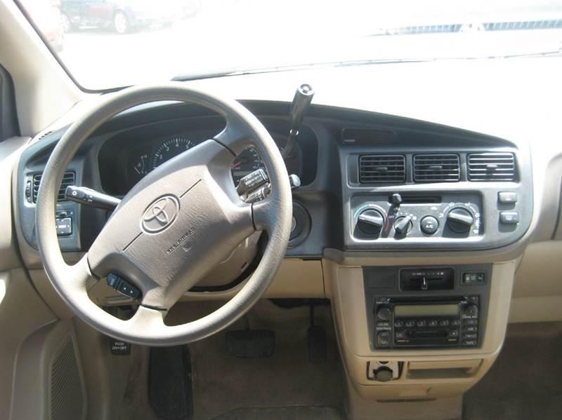 2000 Toyota Sienna 4dr LE Mini-Van - Spring Lake Park MN