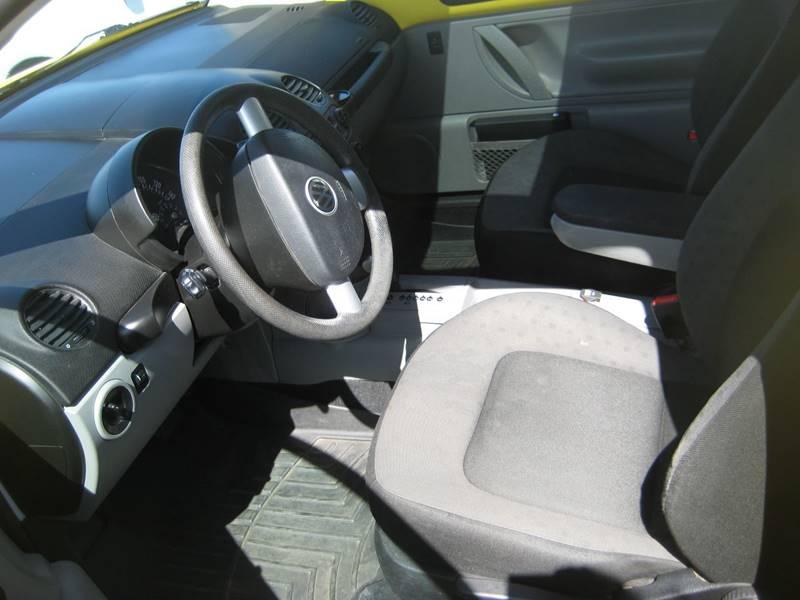 2002 Volkswagen New Beetle GLS 2dr Hatchback - Spring Lake Park MN