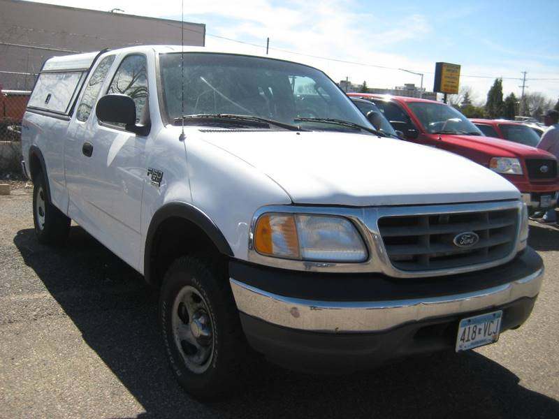 2003 Ford F-150 4dr SuperCab XL 4WD Styleside LB - Spring Lake Park MN