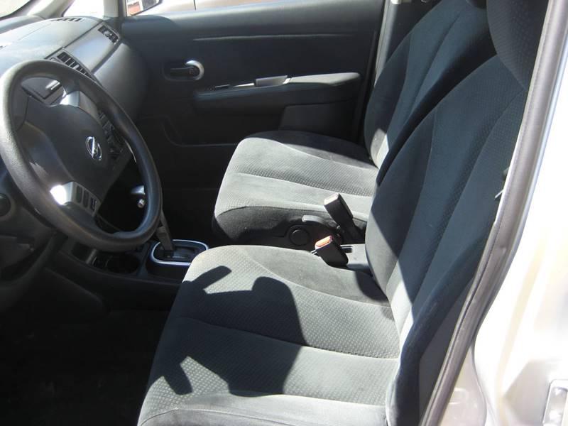 2011 Nissan Versa 1.8 S 4dr Sedan 6M - Spring Lake Park MN