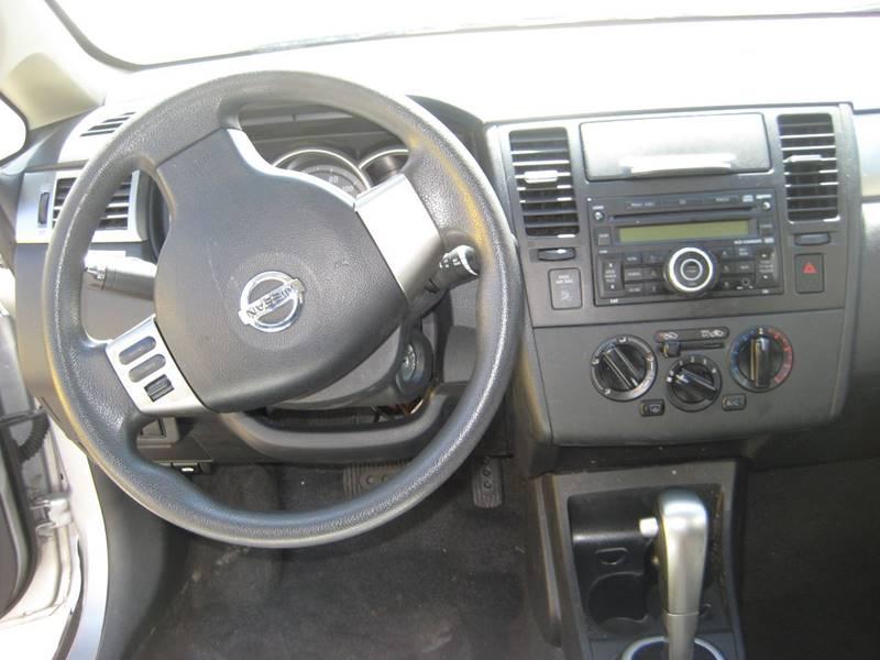 2011 Nissan Versa 1.8 S 4dr Sedan 4A - Spring Lake Park MN
