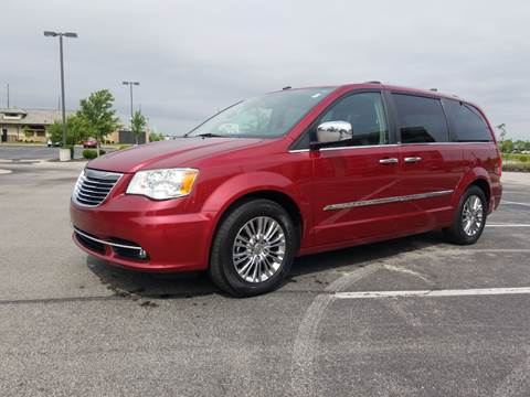 2011 Chrysler Town and Country for sale at CALDERONE CAR & TRUCK in Whiteland IN