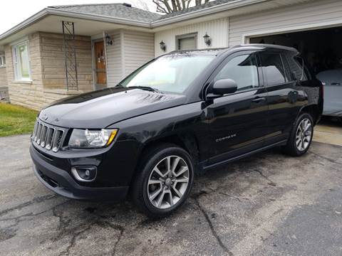 2017 Jeep Compass for sale at CALDERONE CAR & TRUCK in Whiteland IN