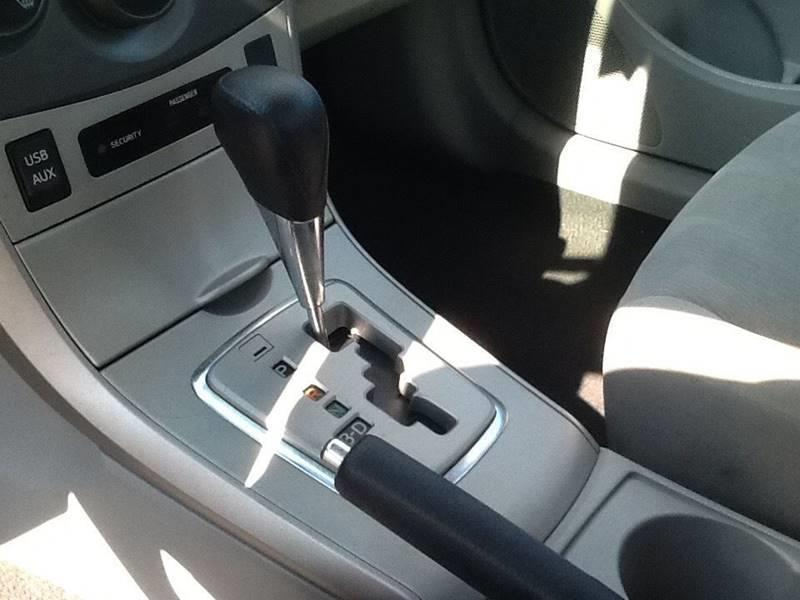 2013 Toyota Corolla LE 4dr Sedan 4A - Topeka KS