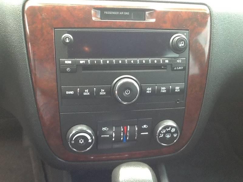 2007 Chevrolet Impala LT 4dr Sedan w/ roof rail curtain delete - Topeka KS