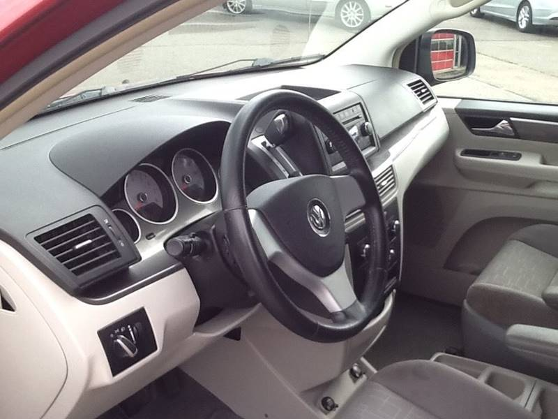 2009 Volkswagen Routan SE 4dr Mini-Van w/ RSE - Topeka KS