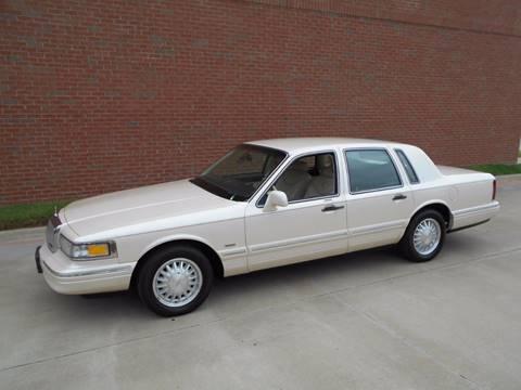 1995 Lincoln Town Car for sale in Dallas, TX