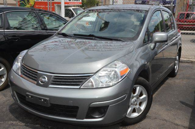 2007 nissan versa 1 8 sl 4dr hatchback 1 8l i4 cvt in chicago il great auto race. Black Bedroom Furniture Sets. Home Design Ideas