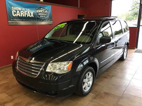 2010 Chrysler Town and Country for sale in Madison Heights, MI