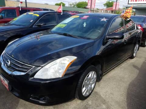 2010 Nissan Altima for sale at AUTO CREDIT in Victoria TX