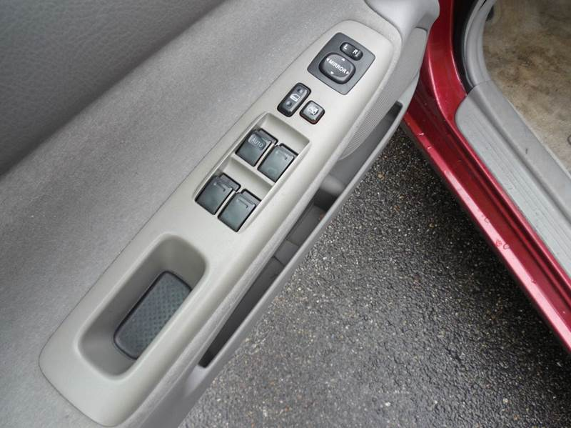 2004 Toyota Camry LE 4dr Sedan - Auburndale MA