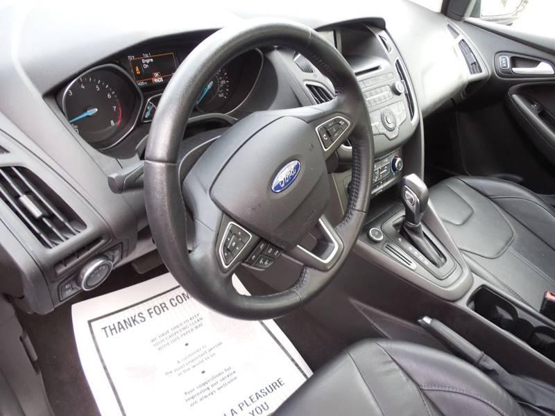 2016 Ford Focus SE 4dr Hatchback - Auburndale MA