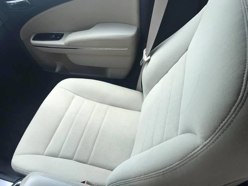 2014 Dodge Charger SE 4dr Sedan - Kansas City KS