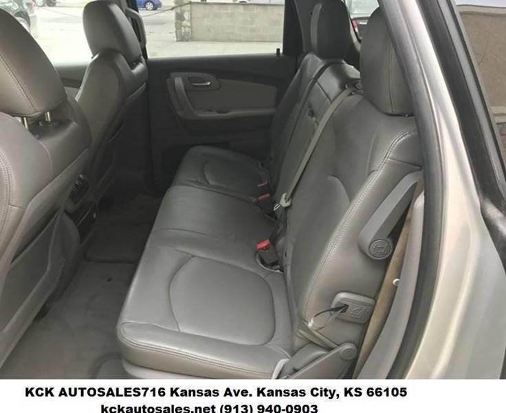 2011 Chevrolet Traverse AWD LT 4dr SUV w/1LT - Kansas City KS