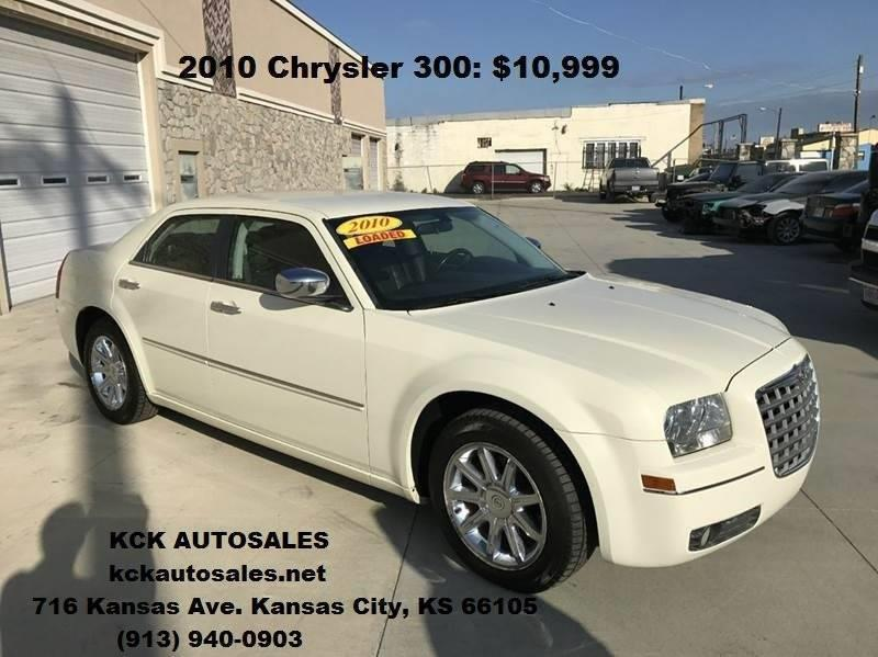2010 Chrysler 300 Touring 4dr Sedan - Kansas City KS
